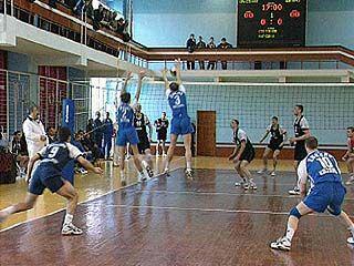 Прошел волейбольный турнир памяти Анатолия Рогозина