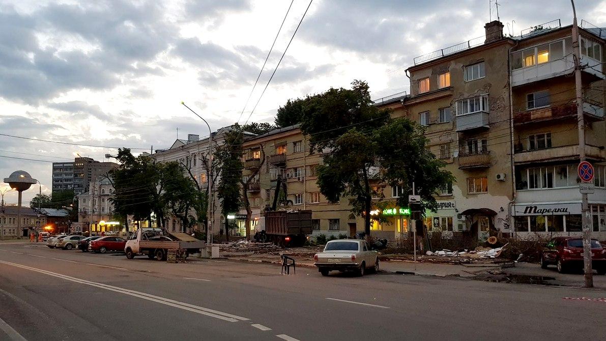 У главного корпуса ВГУ в Воронеже сносят павильоны