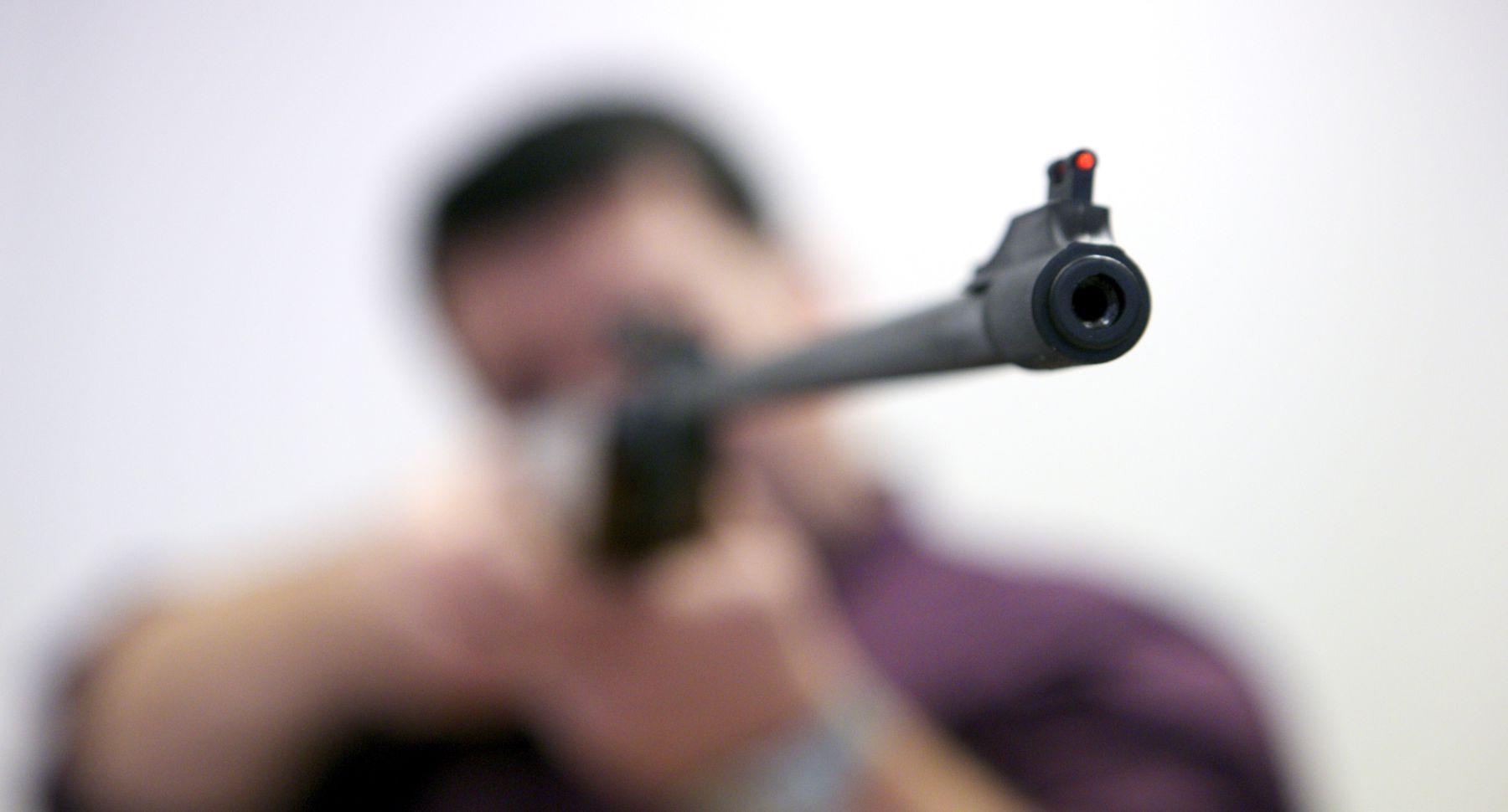 В Воронеже браконьер выстрелил в 12-летнего школьника
