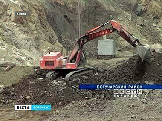 Работники Богучарского гранитного карьера отправлены в бессрочный неоплачиваемый отпуск