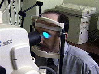 Раз в год у офтальмолога должен побывать каждый