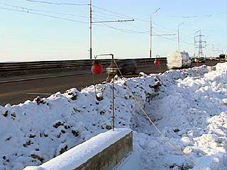 Ремонт ВОГРЭССовского моста так и не завершился