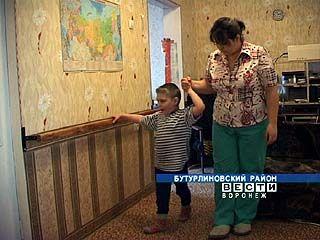 Родители Коли Марьясова помогают сыну бороться с тяжелым недугом
