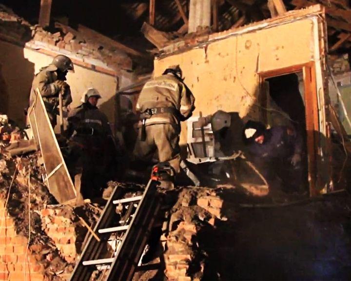 С МЕСТА СОБЫТИЙ: Ликвидация последствий крупного ночного взрыва газа под Воронежем
