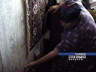 Семья Котельниковых живет в аварийном доме