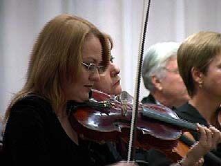 Скрипку французского мастера преподнесли Анне Пожарской
