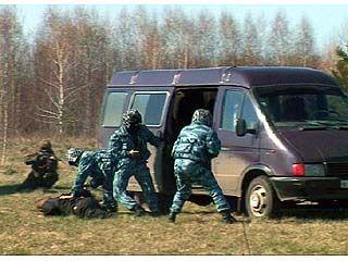 Состоялись совместные учения СОБРа воронежской таможни и спецназа ФСКН