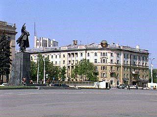 Сотрудники ГУВД пройдут торжественным маршем по площади Ленина