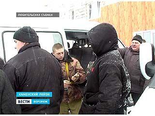 Сотрудники миграционной службы проверили скотоводческий комплекс в Каменском районе