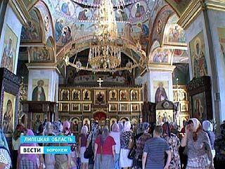 Сотрудники социальных служб посетили храмы и монастыри Воронежской области