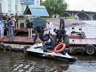 Спасатели ГИМС провели тренировку по спасению утопающих