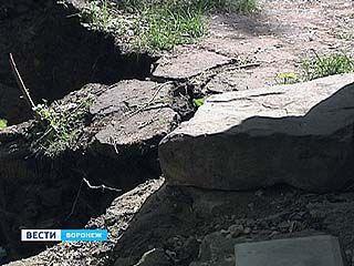 Старинные туннели в центре Воронежа - причина провалов