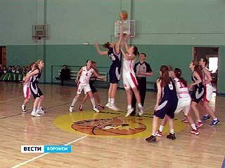 Стартовал финальный турнир первенства России среди команд девушек