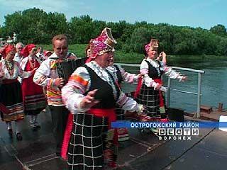 """Стартовал фольклорный фестиваль """"Песни над  Доном"""""""