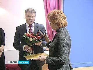 Супругу губернатора Татьяну Гордееву наградил Дом Романовых
