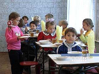 Только 73% воронежских школ обеспечивают детям горячее питание