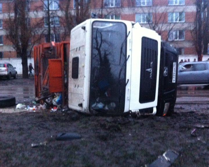 Три района Воронежа остались без света из-за ДТП