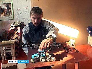 У Алексея Шквиря целый автопарк моделей сельскохозяйственной техники