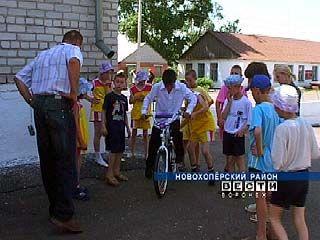 У Елань-Коленовского детского интерната появились шефы