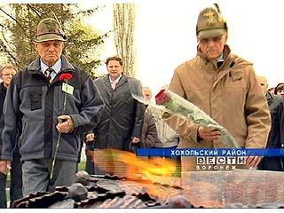 Участники военной конференции посетили захоронения земляков