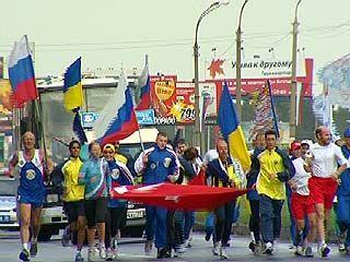 Участников легкоатлетического марафона встречали в Воронеже
