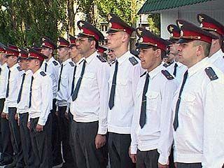 Ученики Воронежского института МВД принимали поздравления