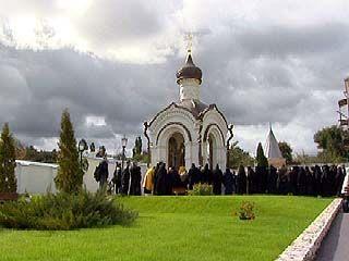 В Алексеево-Акатовом монастыре освящена новая часовня