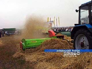 В Анниском районе состоялась выставка сельхозтехники