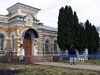 В Богучаре идет реконструкция Дома народного творчества и ремесел