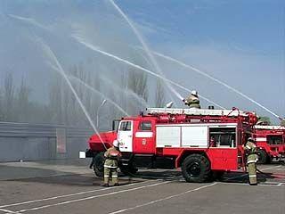 В День пожарной охраны будущие спасатели устроили себе радугу