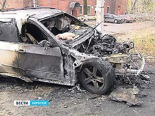 """В Коминтерновском районе сгорел внедорожник """"BMW"""""""