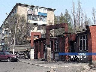 В Лисках сгорел бар