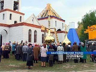 В Митрофановке состоялось воздвижение крестов на храм