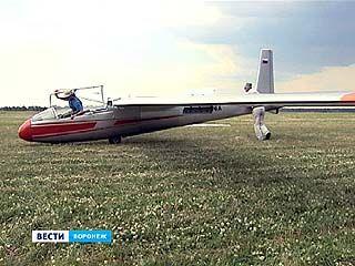В небо - в первый раз: лучшие пилоты России готовят учеников