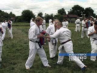 В Новохоперск съехалось более 200-т каратистов