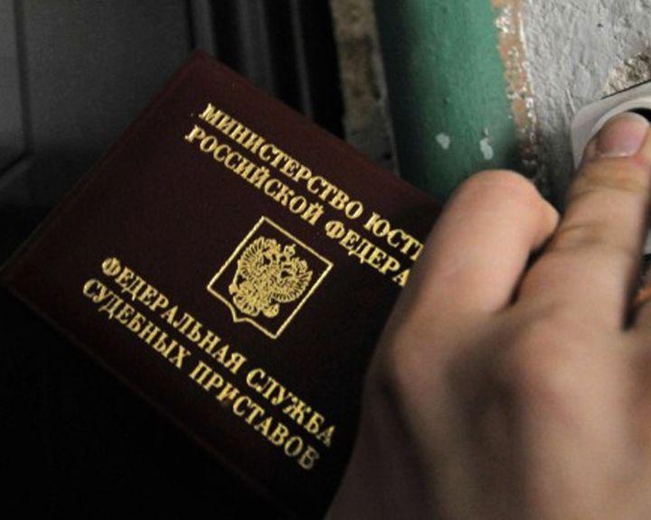 В Нововоронеже приставы 8 часов не могли забрать ребёнка из неблагополучной семьи
