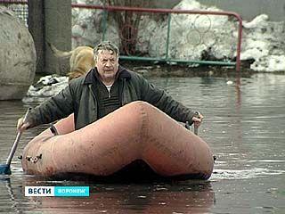 В Новой Усмани улицы, дома и дворы оказались в воде