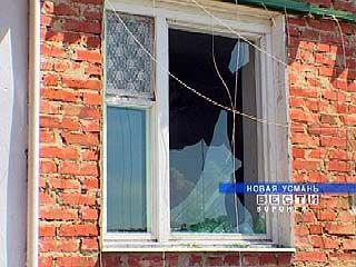 В Новой Усмани восстанавливают дома после урагана