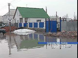В Павловске от затопления третьи сутки спасают жителей 200 домов
