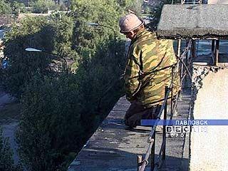 В Павловске ремонтируют крыши