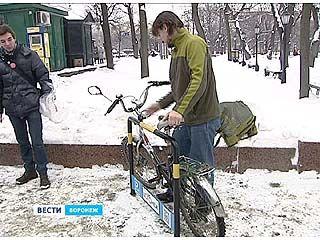В Петровском сквере установили первую бесплатную велопарковку