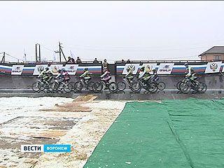 В посёлке Репное представили новое сооружение - трек для велогонок