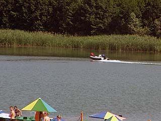 В Рамонском районе на водолаза, плавающего в реке Воронеж, наехал катер