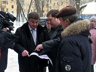 В районах города продолжают работать выездные приёмные главы Воронежа