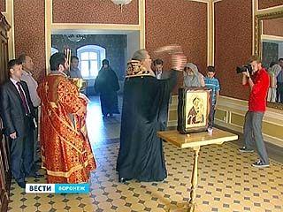 В Репном прошла церемония освящения усадьбы Стальфон Гольштейна