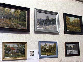 В селе Краснолесье открылась художественная выставка