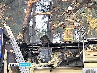 В Северном микрорайоне сгорела крыша одного из кафе