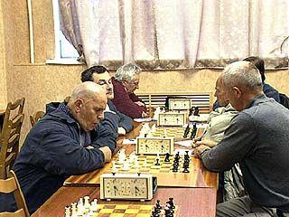 В шахматном клубе проходят соревнования среди инвалидов