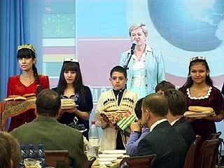 """В спорткомплексе """"Согдиана"""" закрывали фестиваль """"Дружба народов"""""""