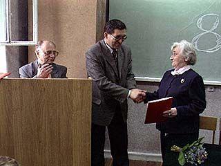 В свой юбилей Алла Ботникова получила грамоту и медаль